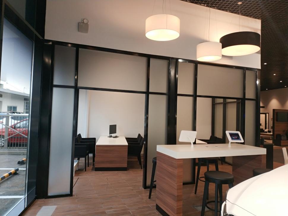 Алюминиевые офисные перегородки,двери.